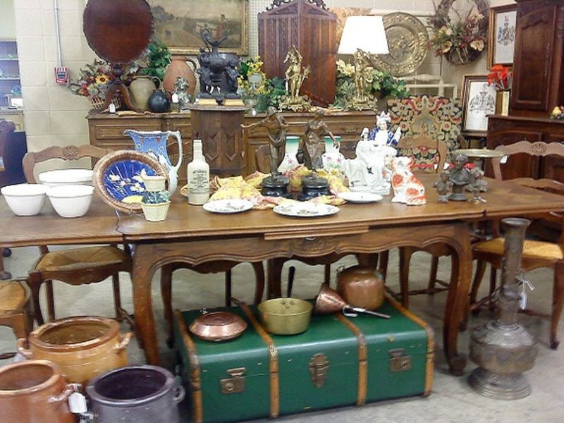 1091 french front booth b2ba26a9 5056 a348 3a47929b87605c4d